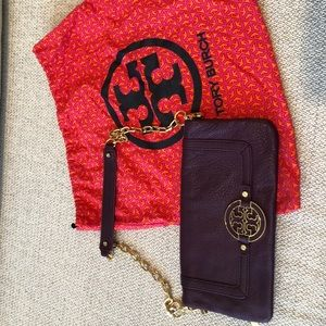 Tory Burch clutch with chain